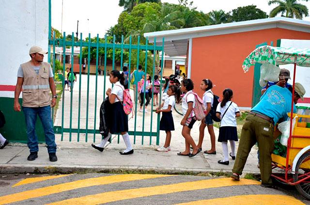 Retoman-vigilancia-en-horarios-de-entrada-y-salida-de-escuelas-en-Carrillo-Puerto