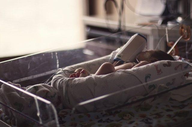 Con dolor, madre ve morir a su bebé por culpa del herpes